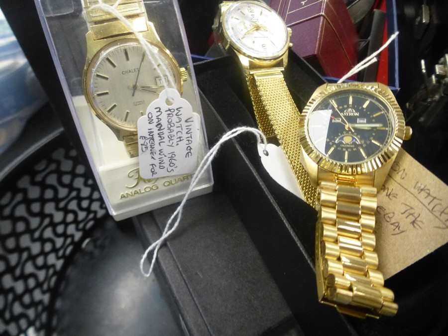 Five various gent's wristwatches - Image 3 of 3