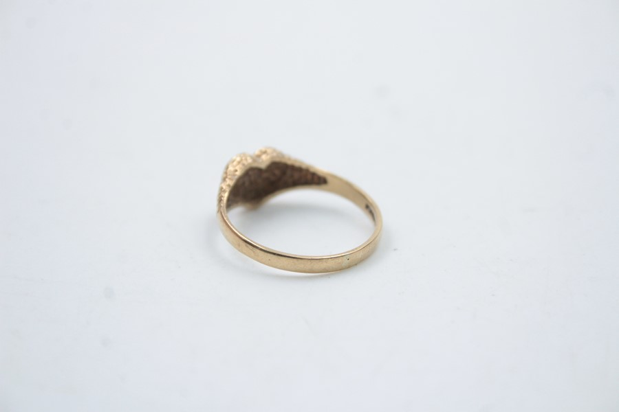 9ct gold heart shaped signet ring 1.5g - Image 3 of 6