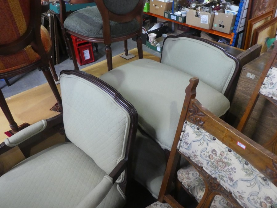 2 green fabric upholstered large lounge armchairs and a matching footstool. - Image 2 of 6