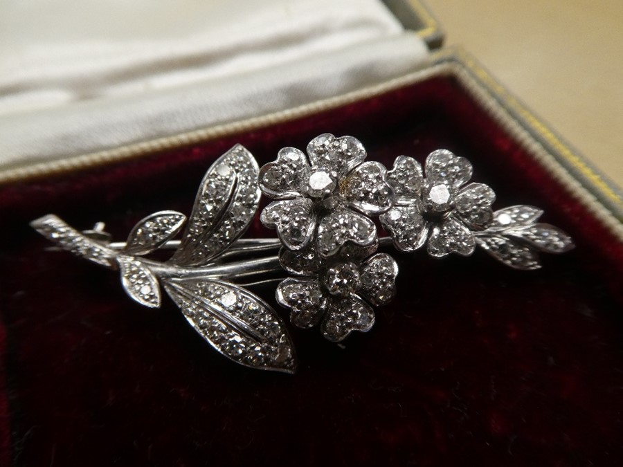 White metal, possibly 18ct white gold, floral design brooch inset with many diamonds, approx 5.5cm - Image 4 of 4