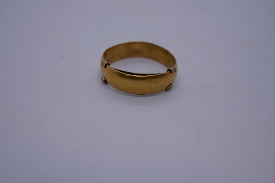 22ct yellow gold wedding band, size K, 2.6g - Image 4 of 4