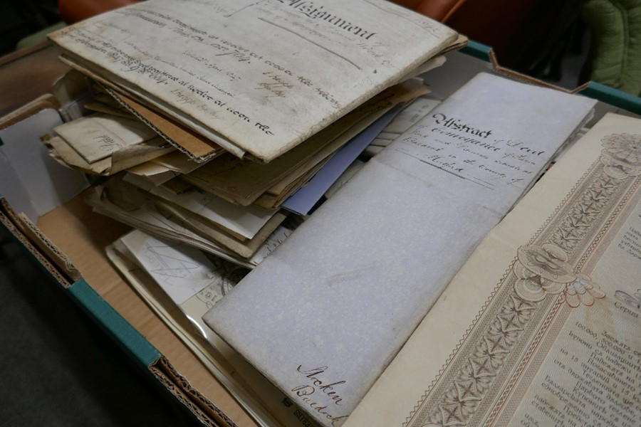 A tray of antique indentures, deeds and other ephemera - Image 4 of 4