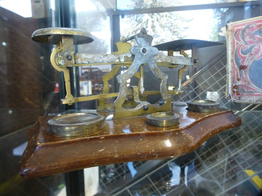 A brass cribbage board and a set postal scales - Image 2 of 3