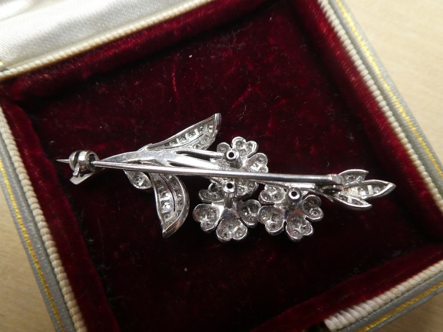 White metal, possibly 18ct white gold, floral design brooch inset with many diamonds, approx 5.5cm - Image 3 of 4
