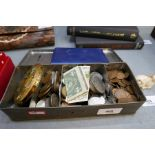A small quantity of 19th century and later coinage sundry notes and a powder compact
