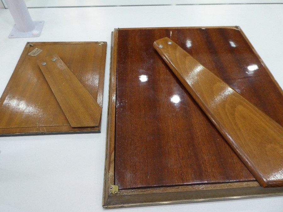 Two Spanish silver photoframes, one 20cm x 15cm approx, the other 33.5cm x 27cm approx - Image 4 of 7