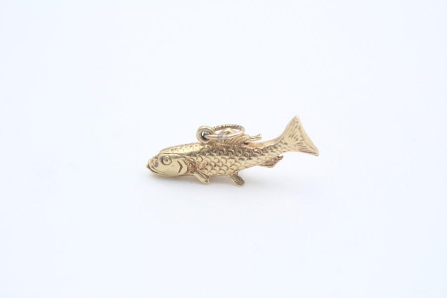 9ct gold cod fish pendant / charm 3.9g - Image 3 of 4