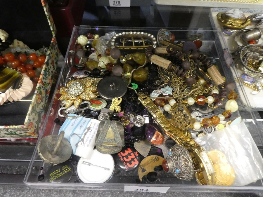 Tray various costume jewellery including Indian design rings, etc