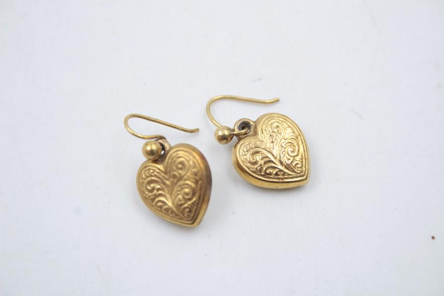 2 x 9ct Gold heart jewellery inc. earrings, locket 2.6g - Image 2 of 6