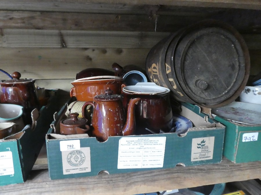 Nine Boxes of mixed china, glass and sundries to include plates, dishes, honey pots, etc - Image 2 of 4