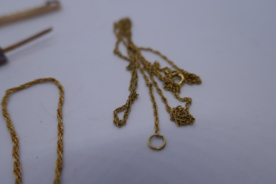 2 9ct yellow gold bar brooches, marked 9ct,, 2 9ct yellow gold bracelets and a 9ct gold chain 7.1g a - Image 3 of 3
