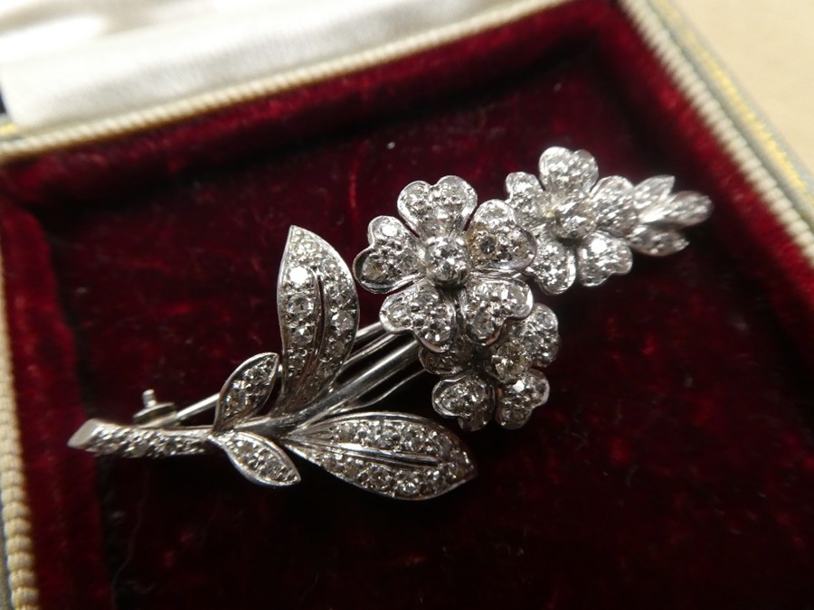 White metal, possibly 18ct white gold, floral design brooch inset with many diamonds, approx 5.5cm - Image 2 of 4