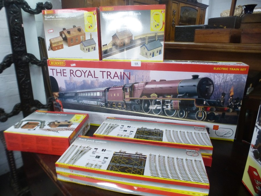 A Hornby OO Gauge Royal Train boxed set with additional accessory packs - Image 3 of 3
