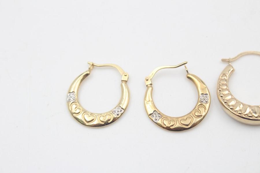 2 x 9ct Gold hoop earrings inc. ornate, heart design 1.7g - Image 5 of 5