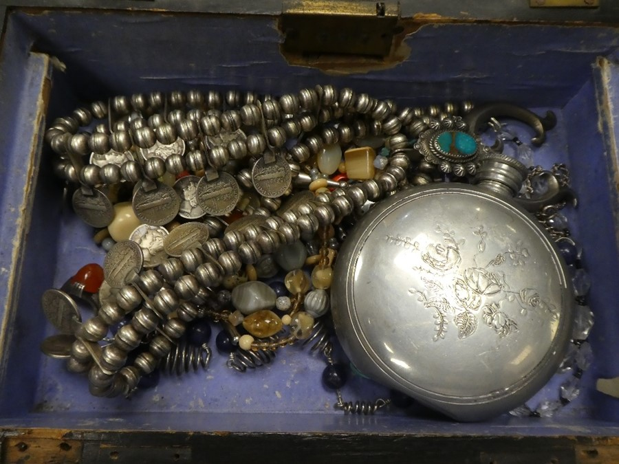 Wooden box containing Middle Eastern white metal jewellery and other costume jewellery - Image 2 of 3