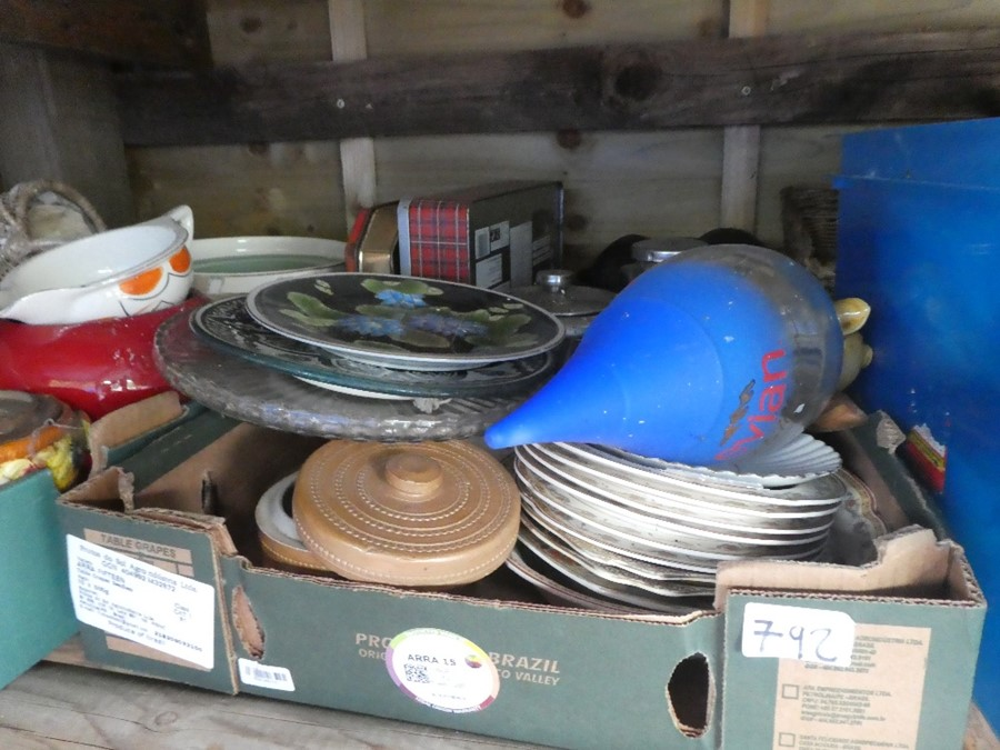 Nine Boxes of mixed china, glass and sundries to include plates, dishes, honey pots, etc - Image 4 of 4