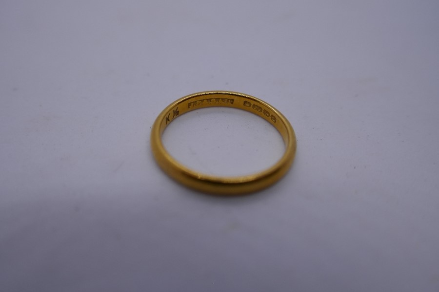 22ct yellow gold wedding band, size L, approx 2.6g - Image 2 of 2