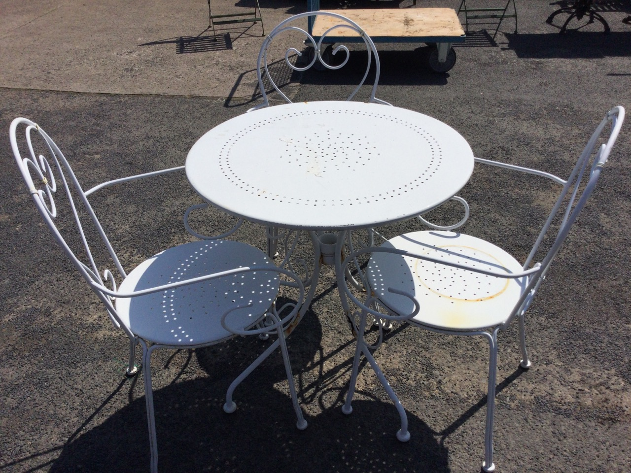 A circular white painted metal garden table with three armchairs, the chairs with rounded backs - Image 3 of 3