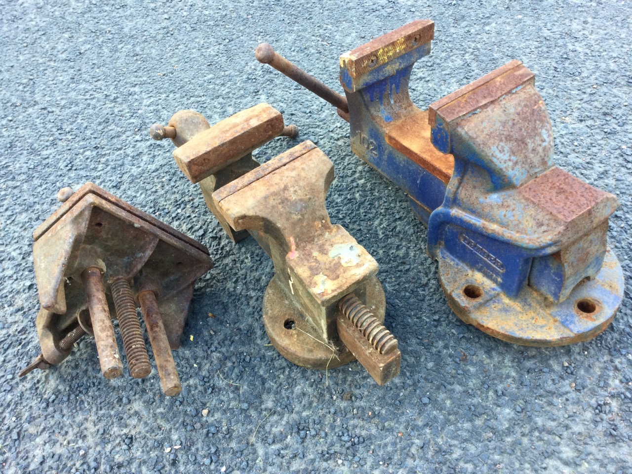 Three cast iron bench vices. (3) - Image 3 of 3