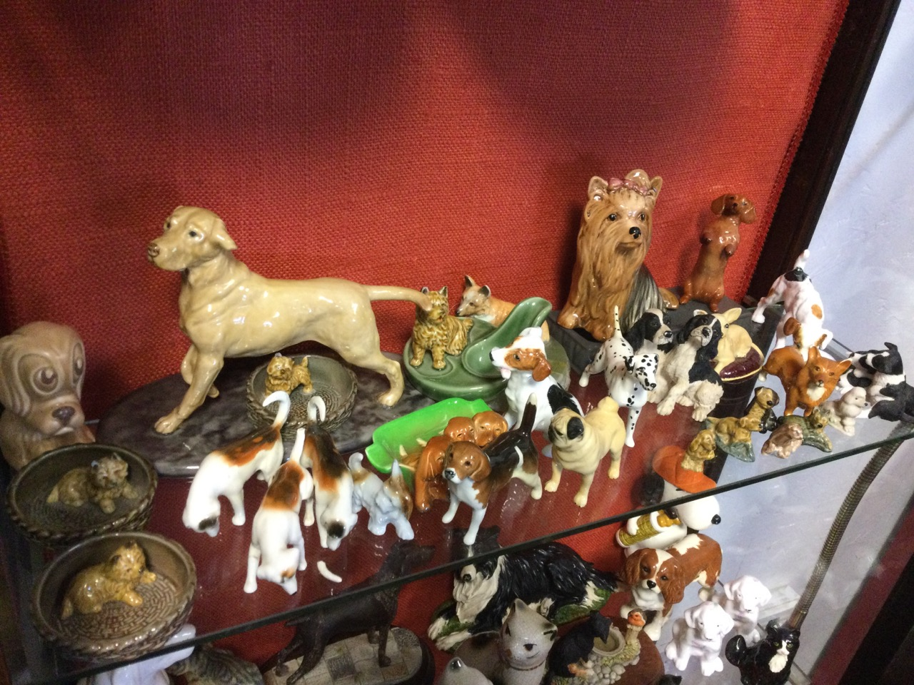 A collection of ceramic cats & dogs - Beswick, resin, Sylvac, Border Fine Arts, Aynsley, Wade, Royal - Image 2 of 3