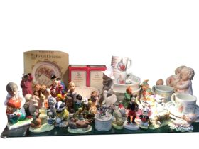 Miscellaneous childrens figurines, Wedgwood baby feeding bowls, a Royal Doulton boxed plate, Nao,