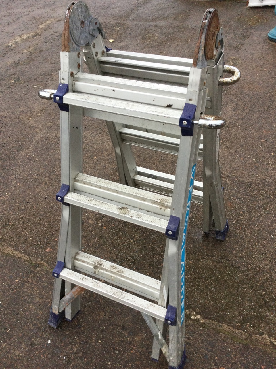 An aluminium Versal extending & folding ladder with ribbed treads. - Image 2 of 3