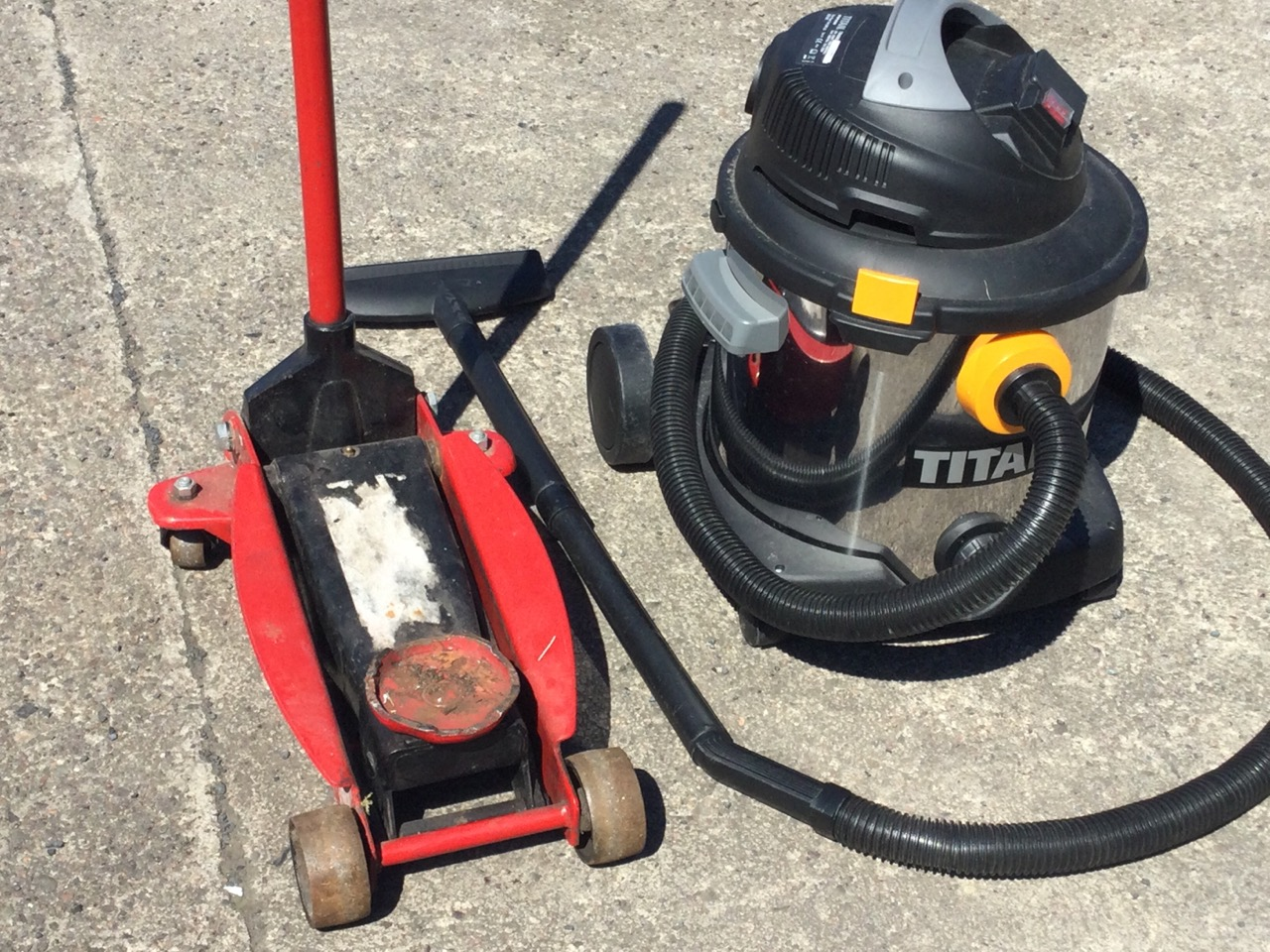 A car jack on wheels with crank handle; and a commercial Titan vacuum cleaner. (2) - Image 3 of 3
