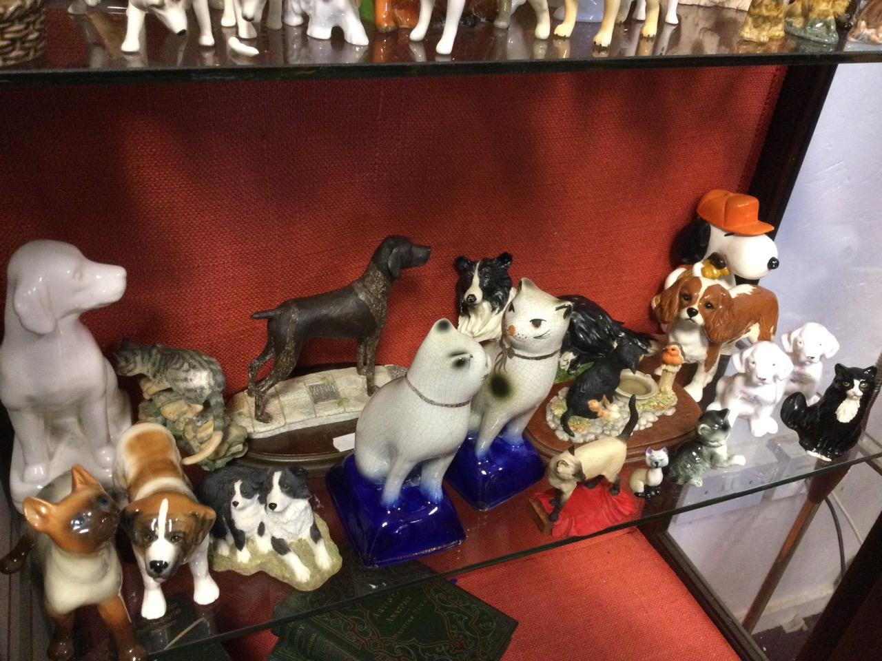A collection of ceramic cats & dogs - Beswick, resin, Sylvac, Border Fine Arts, Aynsley, Wade, Royal - Image 3 of 3