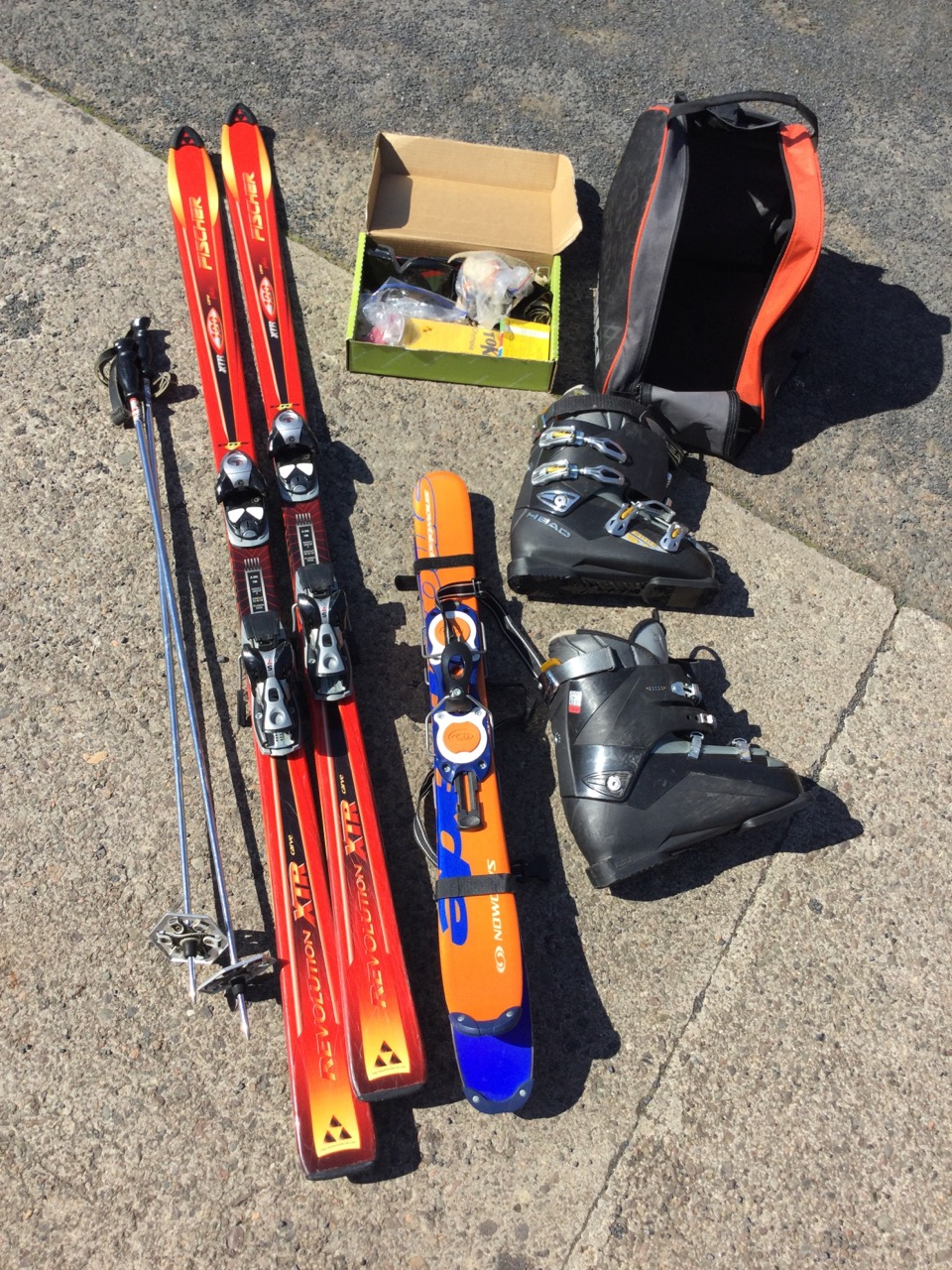 Miscellaneous skiing gear - a pair of red Fischer 190 carver skis with Salomon bindings, a pair of - Image 2 of 3