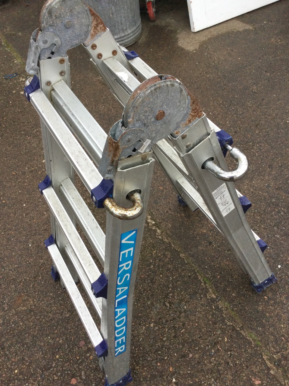 An aluminium Versal extending & folding ladder with ribbed treads. - Image 3 of 3