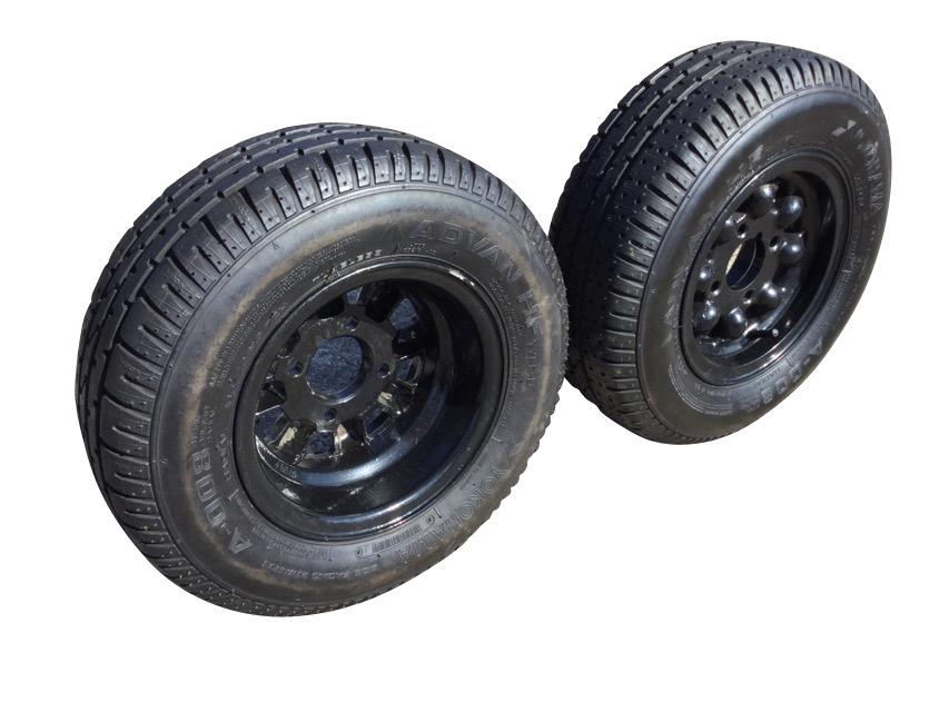 A pair of new 19in Mini Cooper wheels with Yokohama tyres. (2)