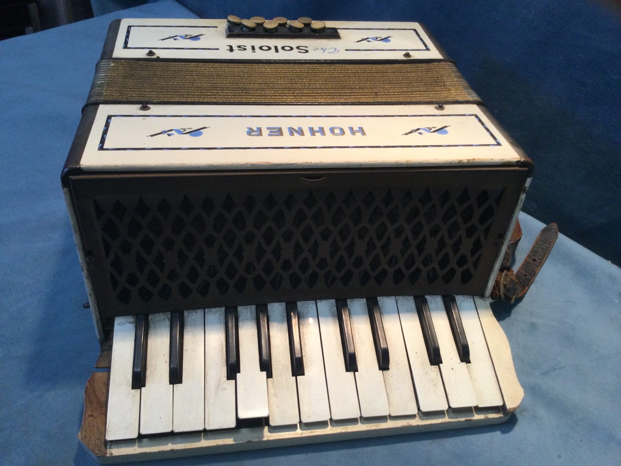 A early German Steel Reeds Hohner accordion, the painted case titled The Soloist, with two octave - Image 3 of 3