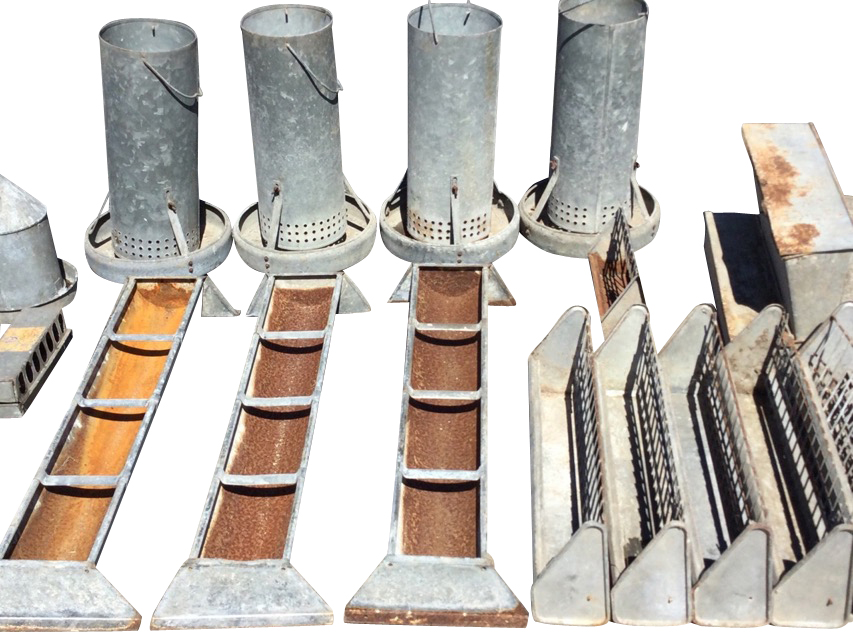 Miscellaneous galvanised feeding/water bins - five rectangular tray type, five tubular on circular