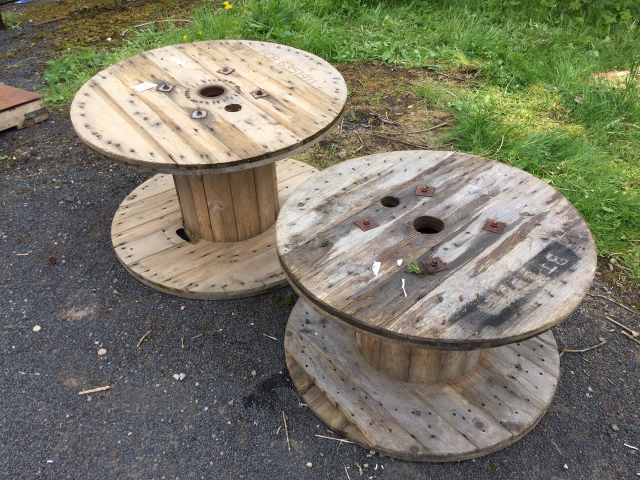A 3ft pine cable drum suitable for a garden table – 37.25in x 23in; and another slightly smaller – - Image 2 of 3
