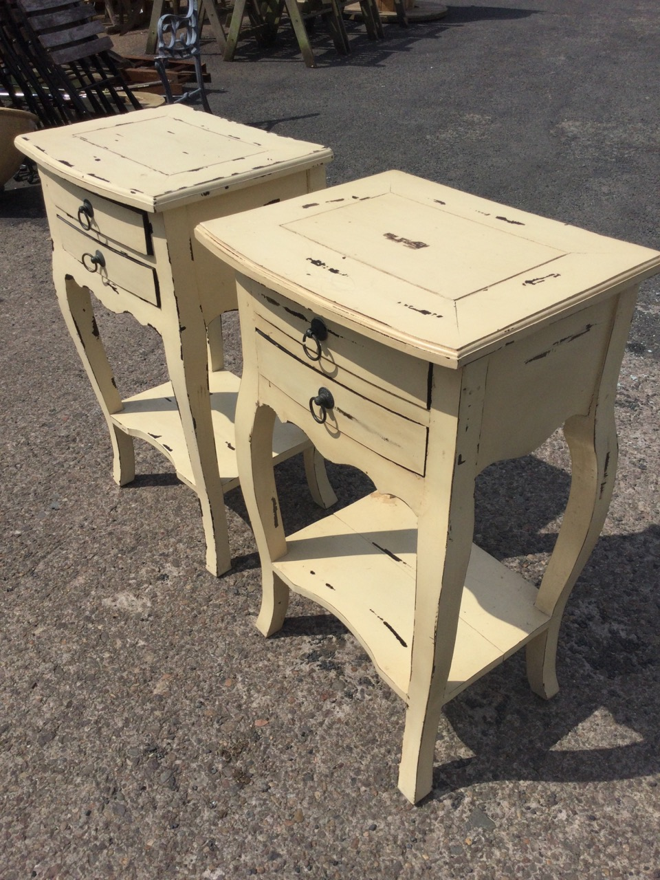 A pair of painted bowfronted bedside tables, the panelled moulded tops above two small drawers - Image 3 of 3