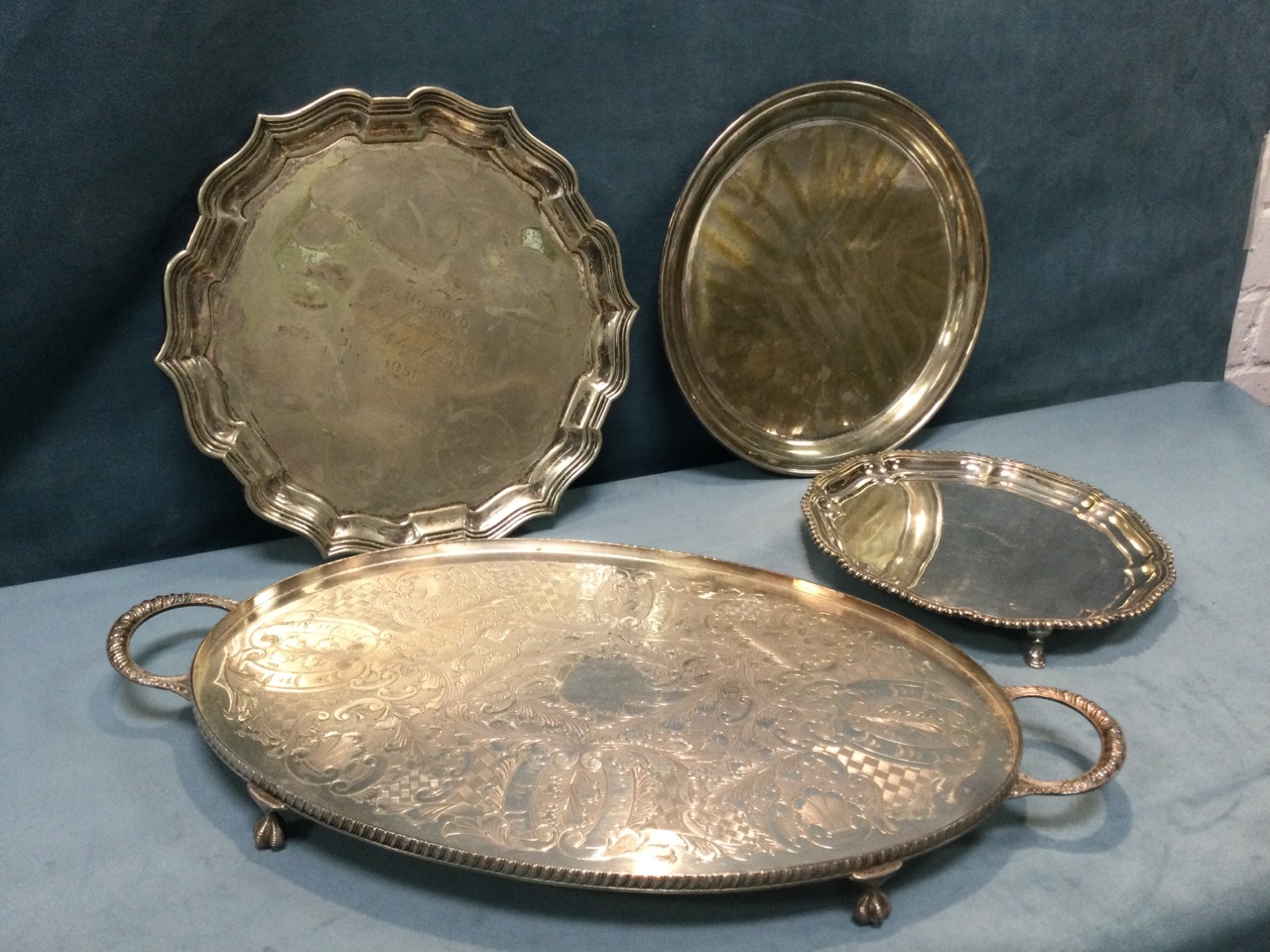 A silver plated scalloped waiter with gadrooned rim on three paw feet; an oval foliate engraved tray - Image 3 of 3