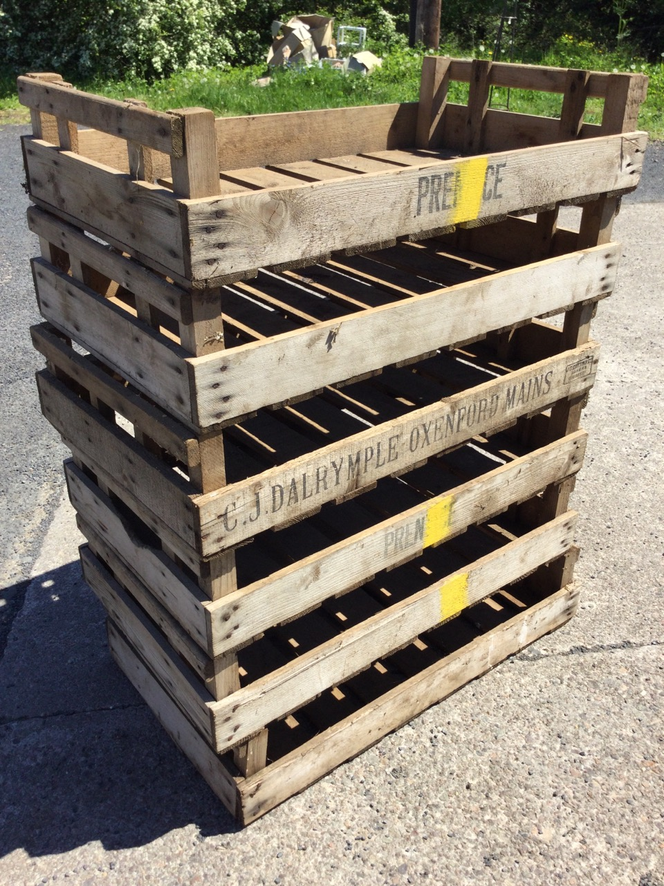 Six rectangular 2ft 6in agricultural produce trays with slatted bases. (29.75in x 17.75in x 6. - Image 2 of 3