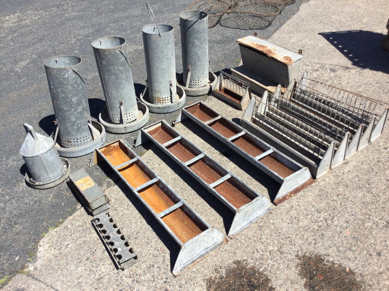 Miscellaneous galvanised feeding/water bins - five rectangular tray type, five tubular on circular - Image 2 of 3