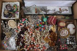 Quantity of vintage costume jewellery and bijouterie