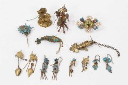 Old Chinese gilt metal and kingfisher feather earrings and jewellery parts