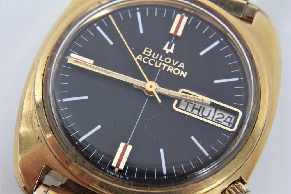 1970s gentlemen's Bulova Accutron wristwatch with circular matte black dial, day and date aperture, - Image 3 of 7