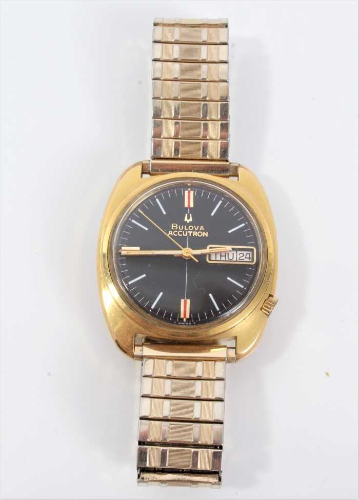 1970s gentlemen's Bulova Accutron wristwatch with circular matte black dial, day and date aperture, - Image 2 of 7