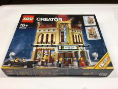 Lego Creator Expert 10232 Palace Cinema, with mini figs and instructions, Boxed