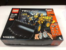 Lego Technic 42030 Volvo Wheel Loader with instructions, Boxed