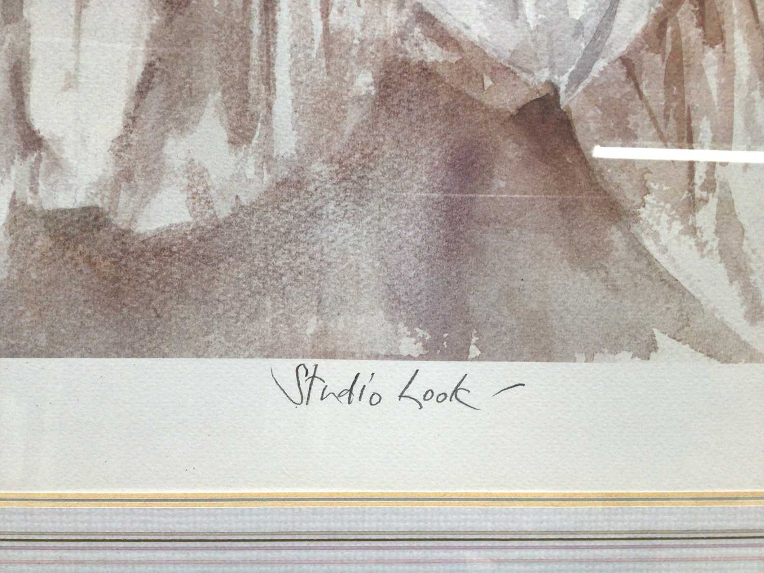 Gordon King (b.1939) signed limited edition lithograph - Studio Look, 72/295, 41cm x 54cm, in glazed - Image 3 of 10