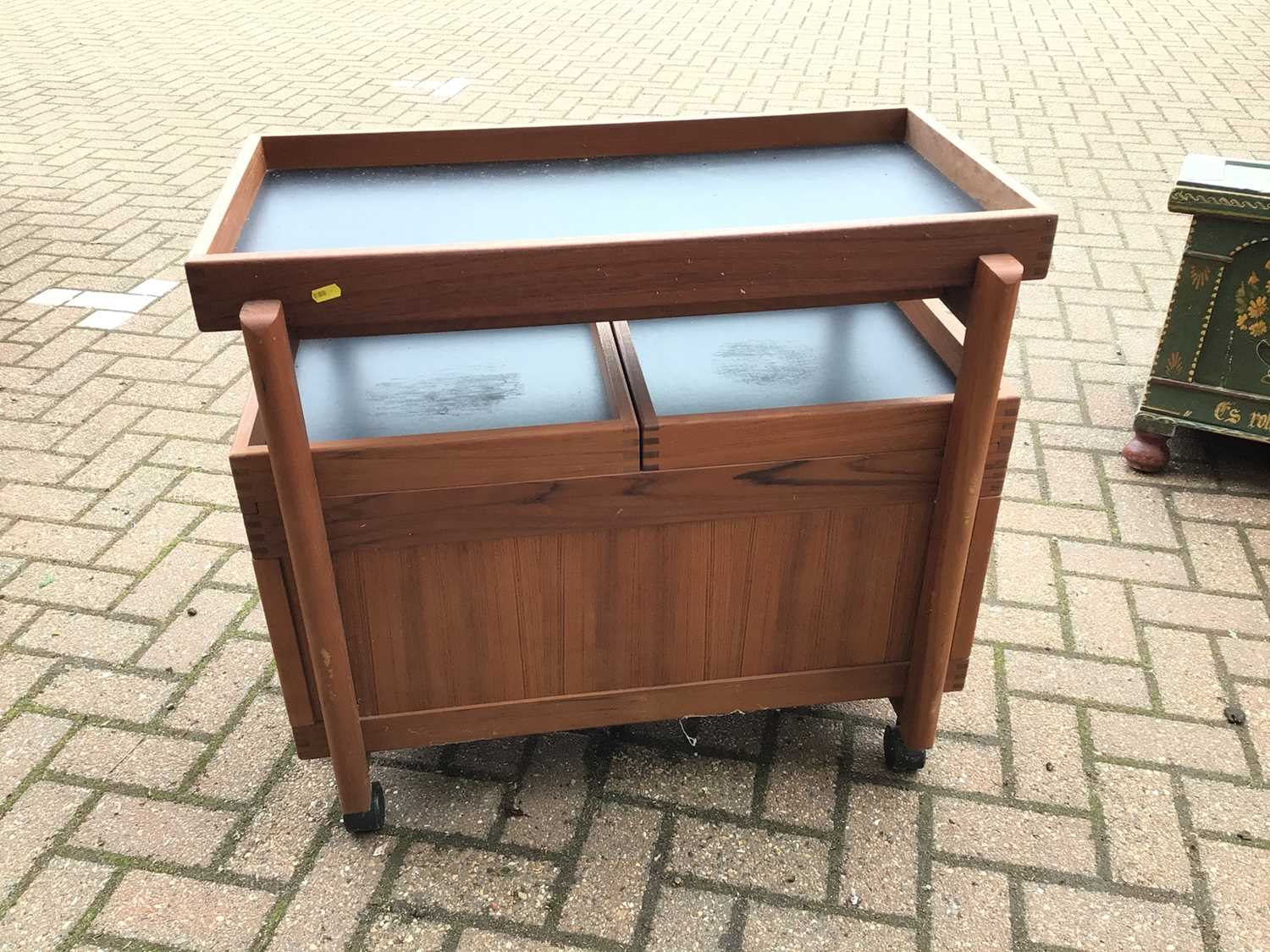 Mid century teak drinks trolley with removable tray top, two pull out slides enclosing bottle holder