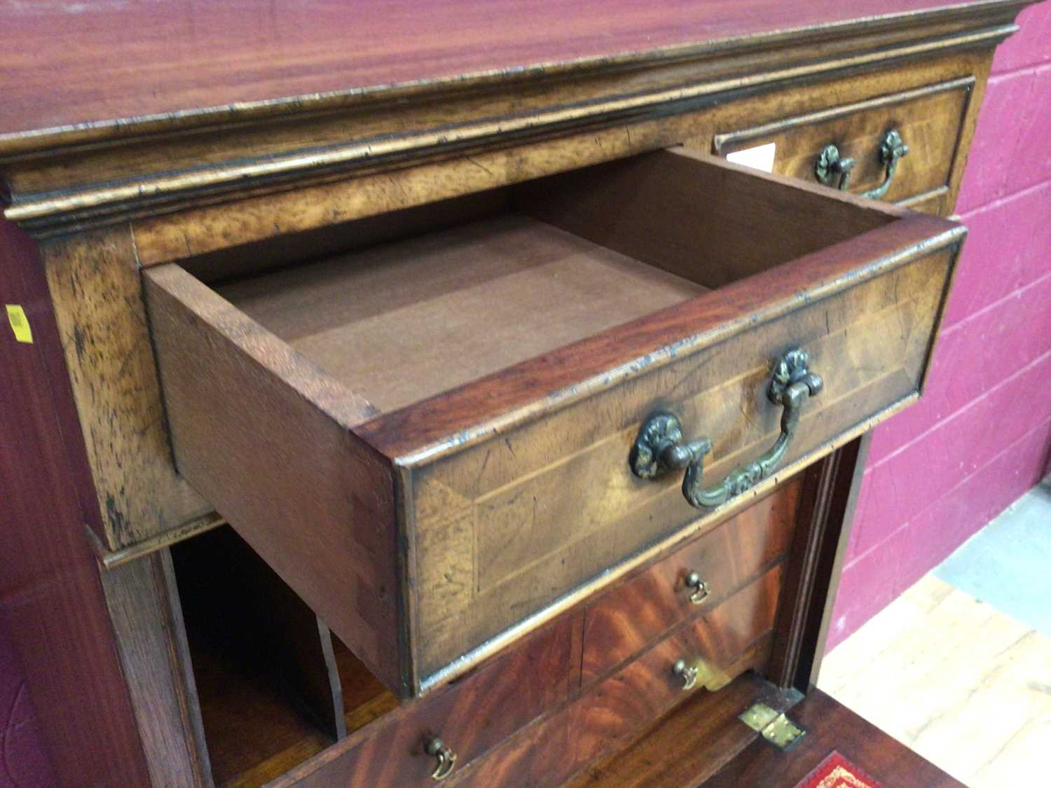 Good quality Georgian style mahogany secretaire chest with two top drawers, fall front with fitted i - Image 9 of 9