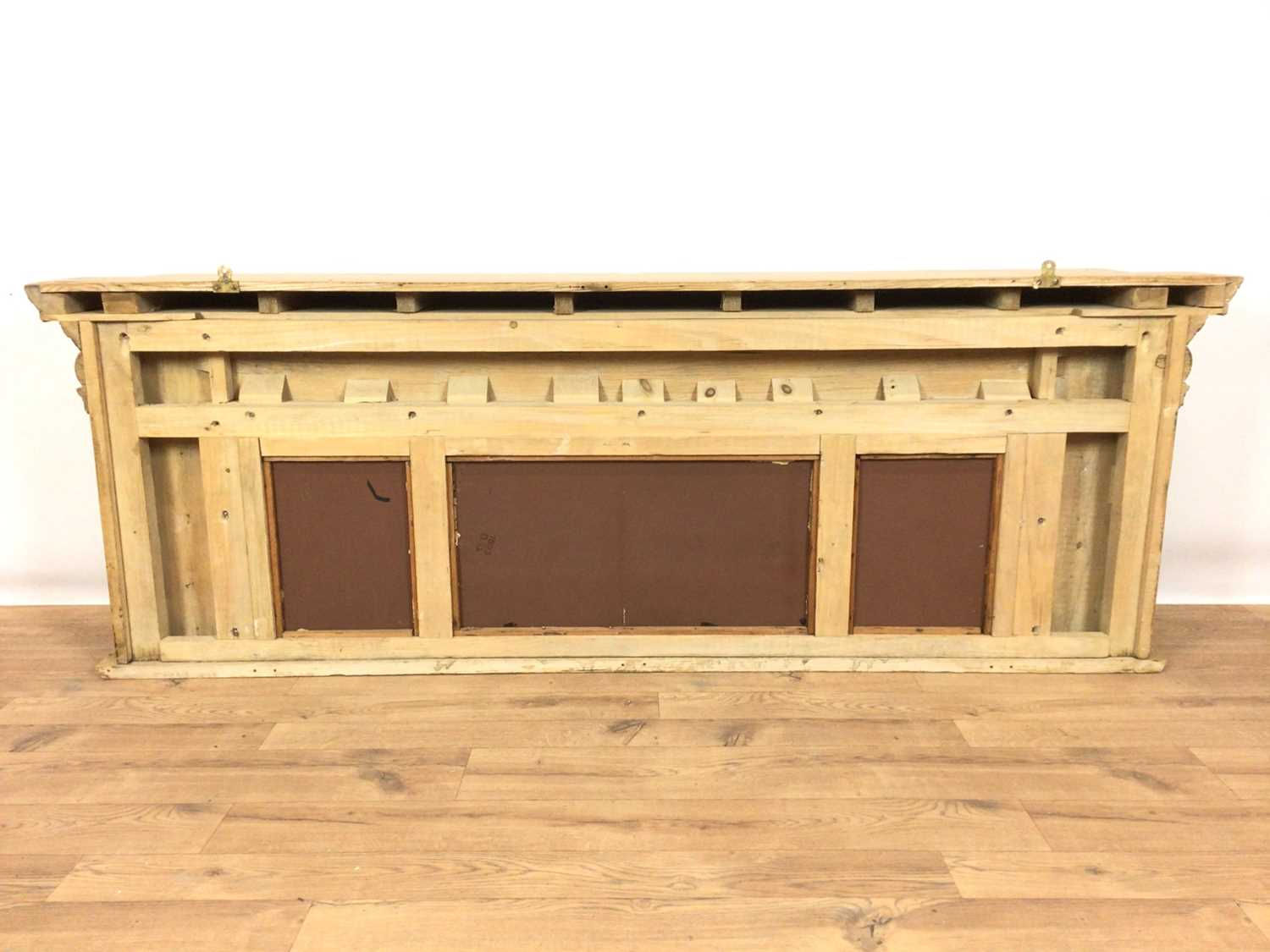 Classical style pine shelf - Image 6 of 6