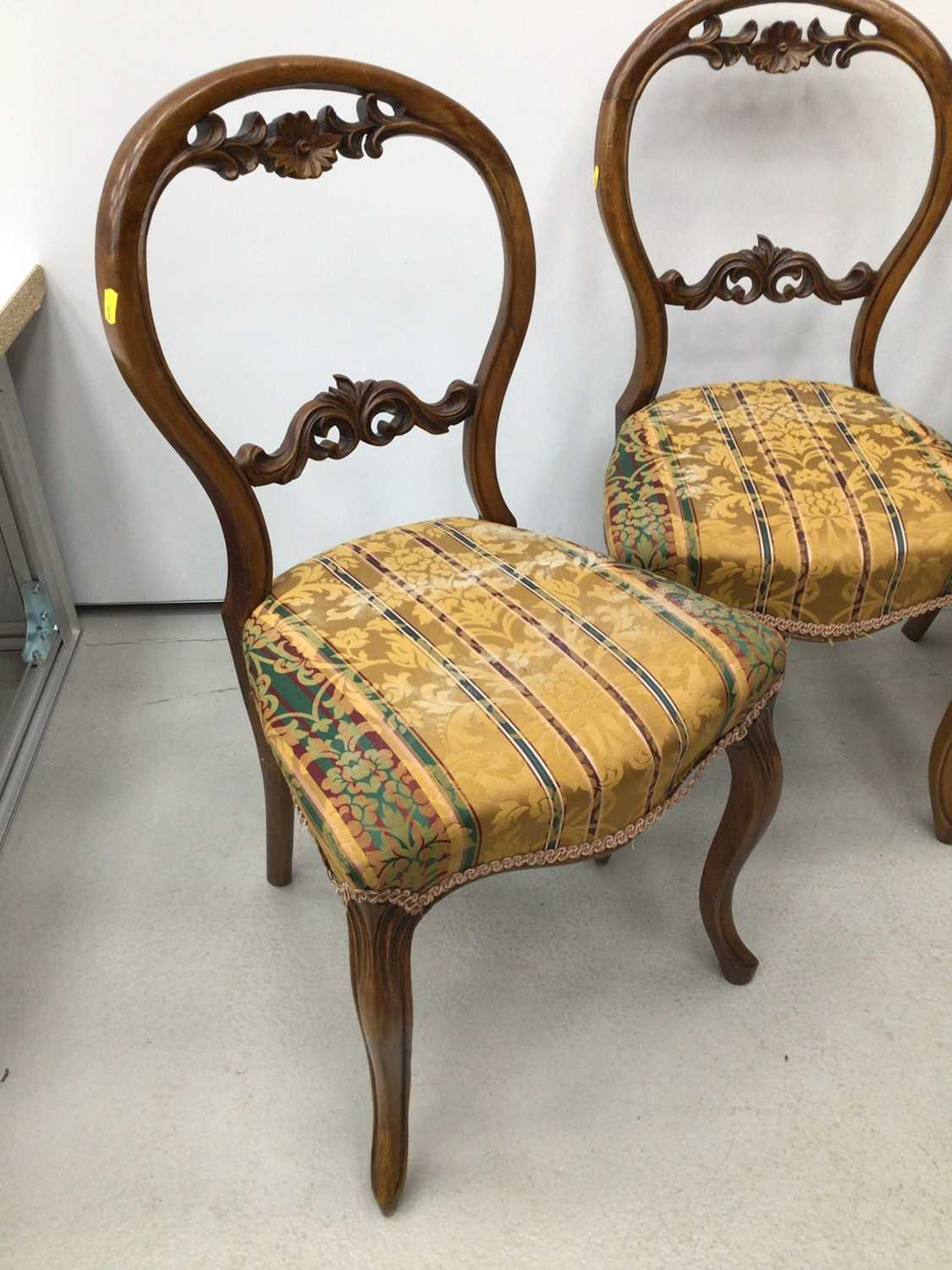 Set of four Victorian walnut balloon back chairs - Image 2 of 5