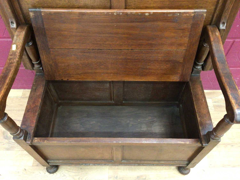 Oak monks bench - Image 5 of 5